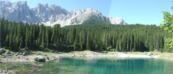 Lago di Carezza in Val d'Ega